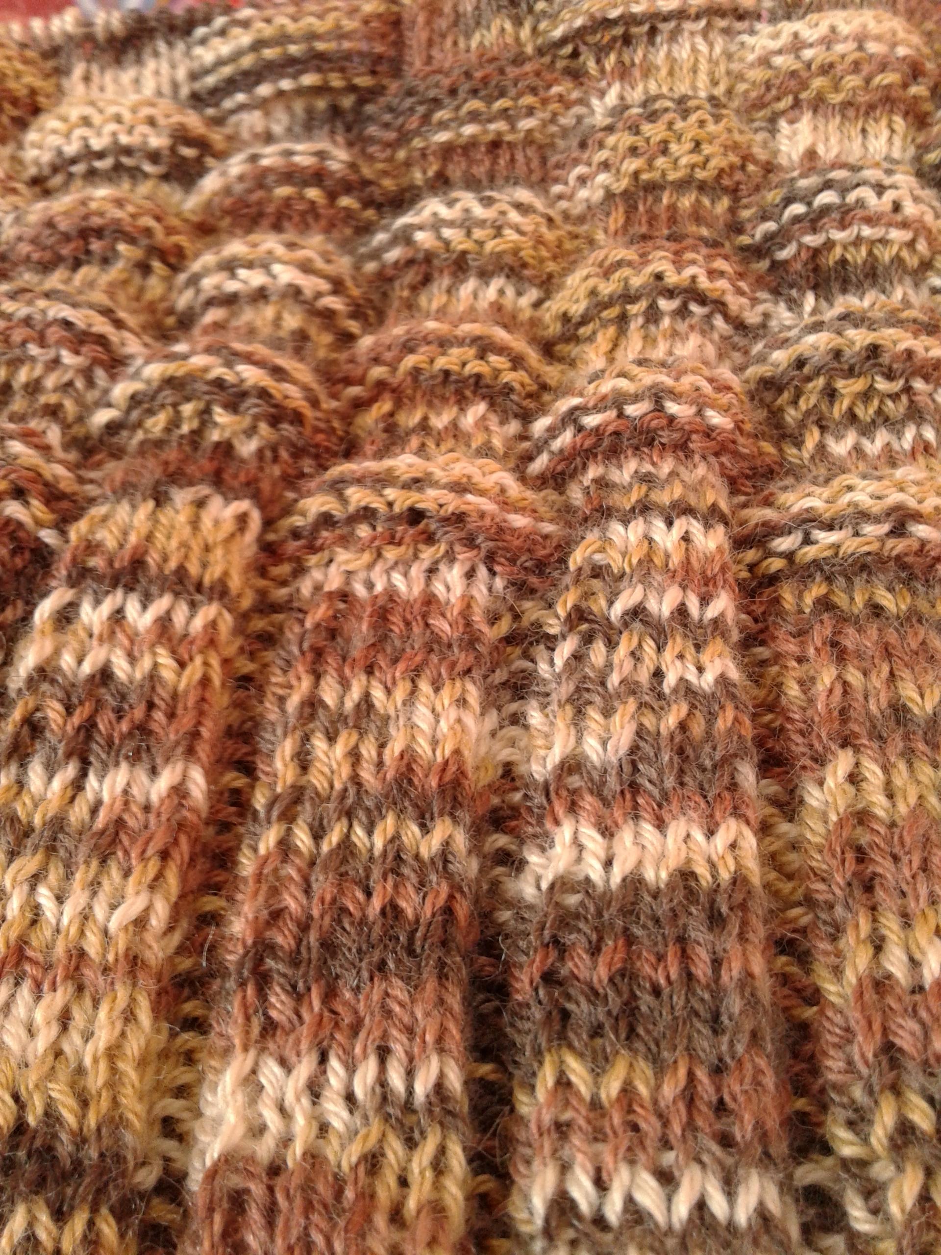 Körbe kötött raglánujjas pulóver kisfiúknak  e0f3c8d404