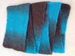 kézzel kötött sál egy sima egy fordított mintával