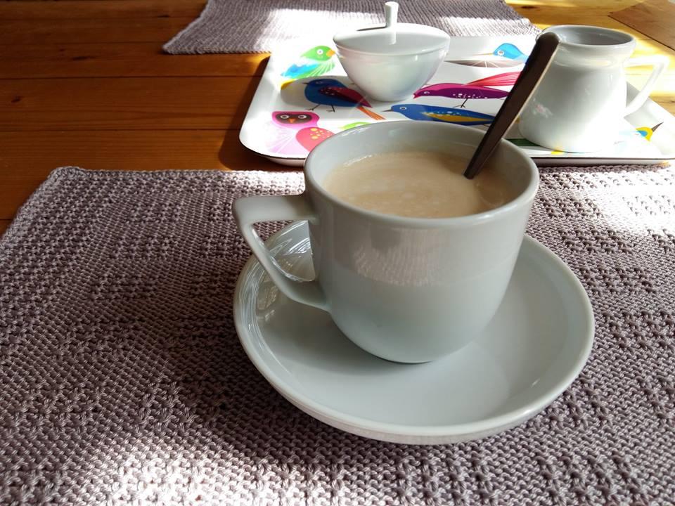 Hamis rizsmintával kötött tányéralátét (kockás változat)