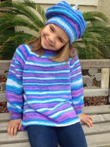 Színátmenetes kézzel kötött kislány pulóver